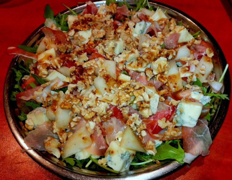 Salatka Z Melonem Gorgonzola I Orzechami Wloskimi Wpis Swojskie