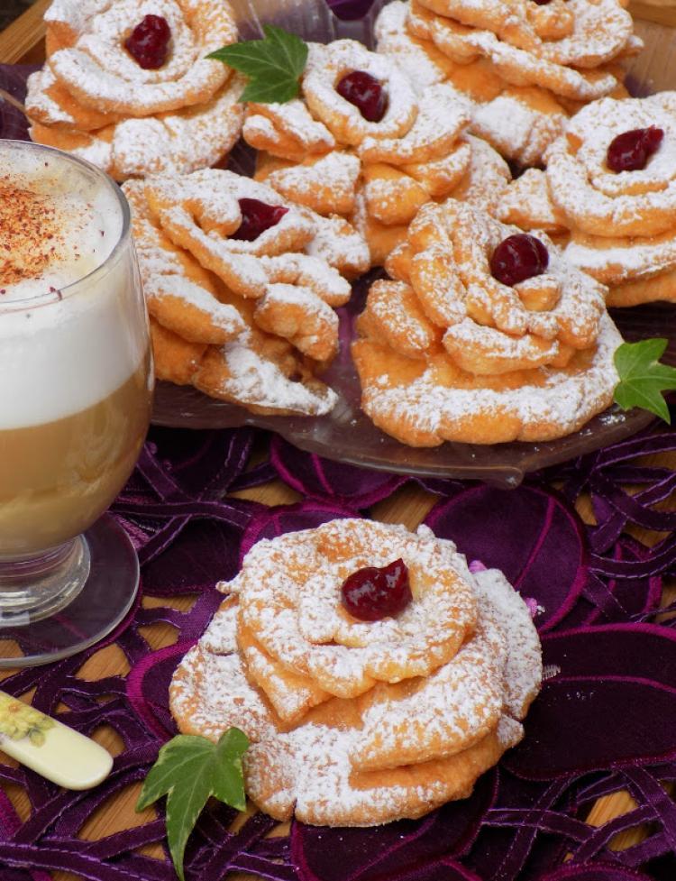 Ciasto Roze Karnawalowe