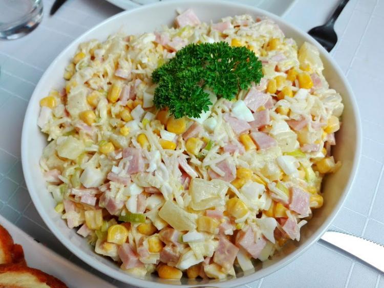 Salatka Krolewska Z Ananasem Wpis Swojskie Jedzonko Lifestylowo Pl